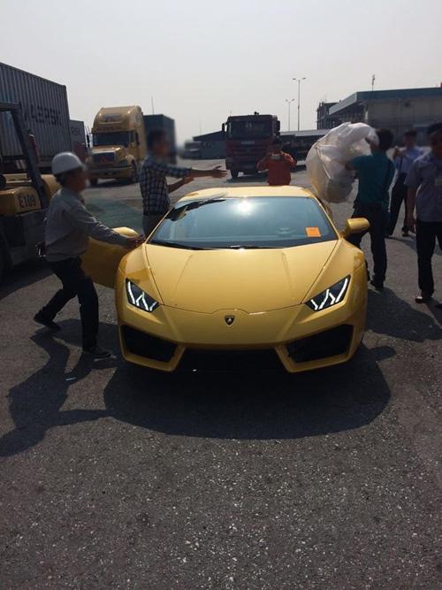 """HOT: Lamborghini """"giá rẻ"""" Huracan LP580-2 thứ 2 về Việt Nam - 2"""