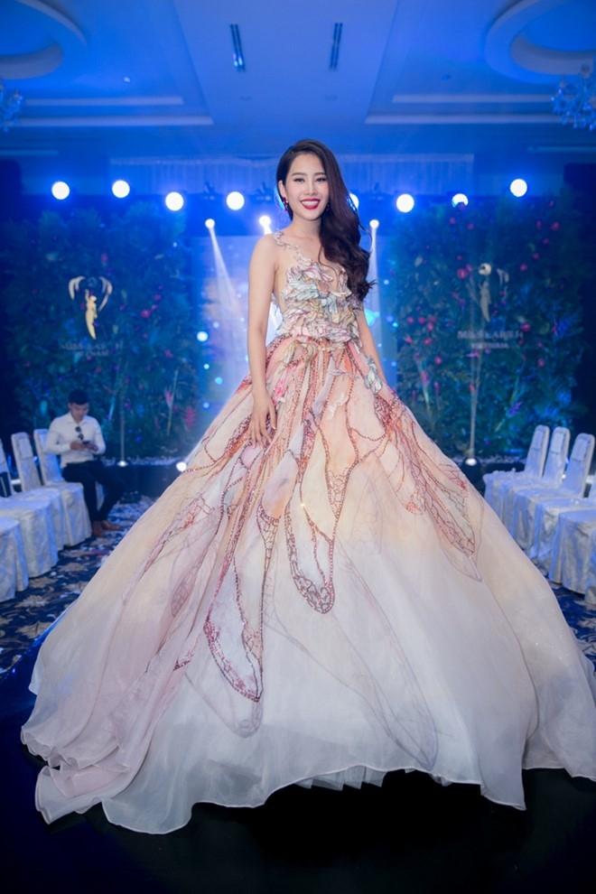 Nhung trang phuc Nam Em se dien tai Miss Earth 2016 hinh anh 5