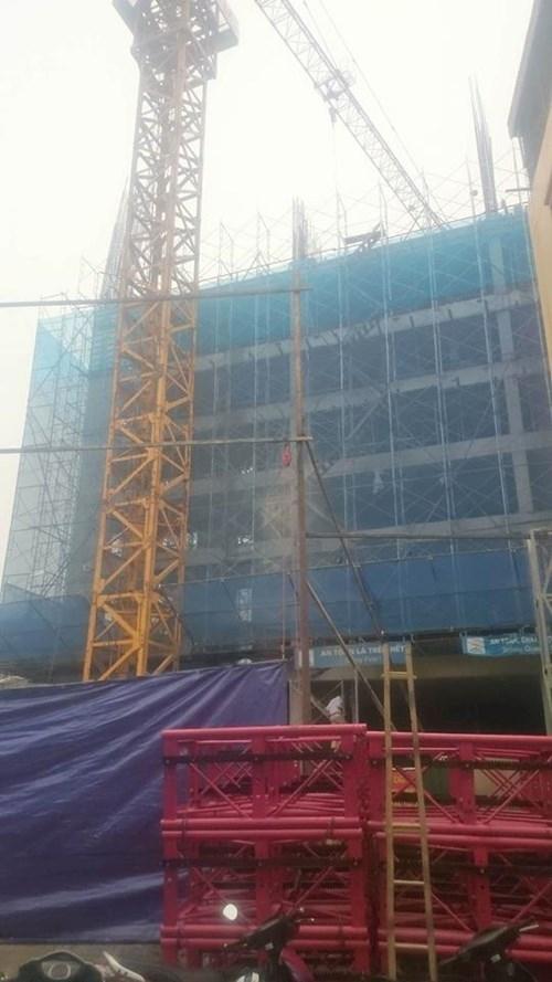 Sập giàn giáo ở Hoàng Mai, hai công nhân chết thảm ảnh 1