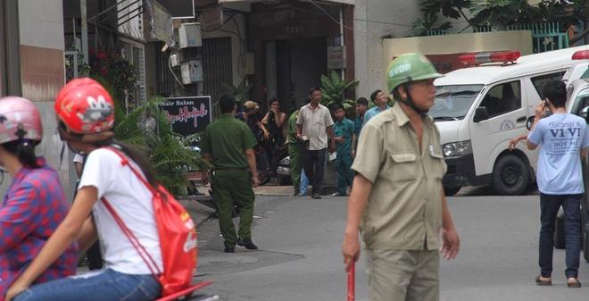 Súng nổ trong ủy ban phường ở TP.HCM, một người chết tại chỗ