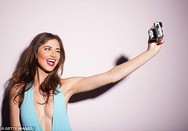 chụp ảnh tự sướng, cô đơn, selfie, bệnh tâm thần, tự ti, ngoại hình, xu hướng, giới trẻ