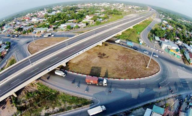 Việt Nam có nhiều tuyến cao tốc được cho là đắt nhất hành tinh.