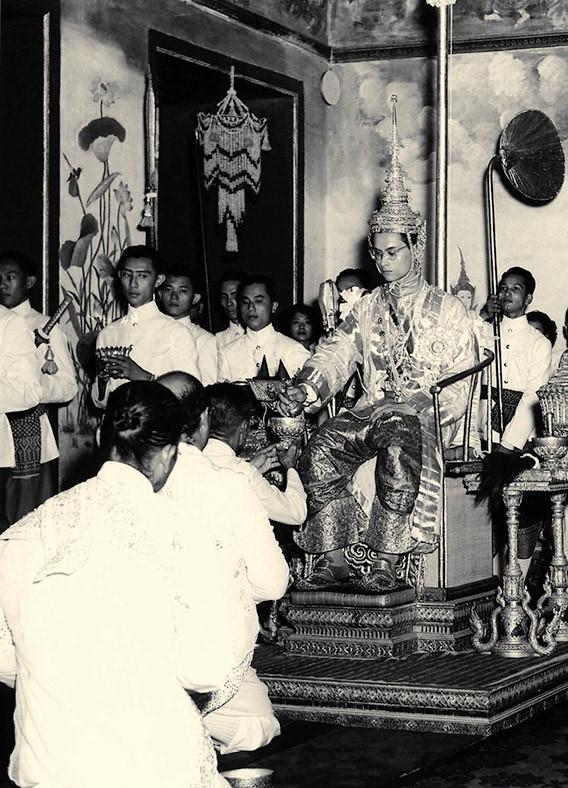 Bhumibol Adulyadej - trai tim, linh hon cua nguoi dan Thai hinh anh 3