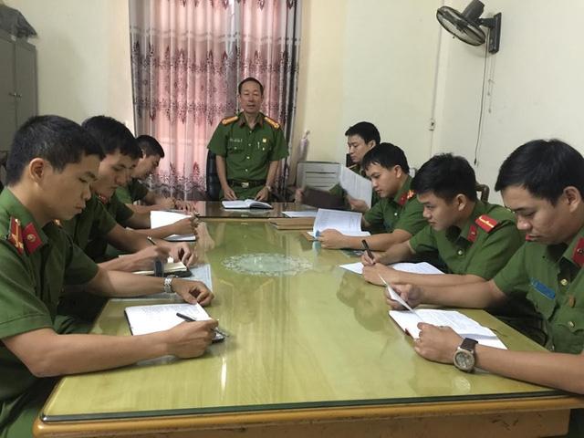Đại tá Lê Sĩ Phác - Phó thủ trưởng cơ quan cảnh sát điều tra công an tỉnh Bắc Ninh họp chỉ đạo điều tra khám phá vụ án