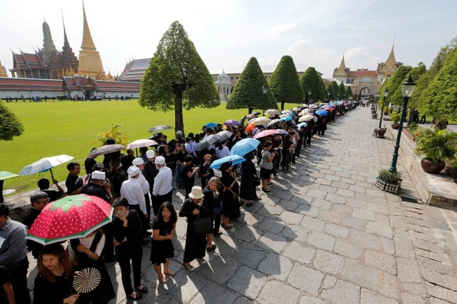 Thu tuong Thai Lan cho don linh cuu cua quoc vuong hinh anh 7