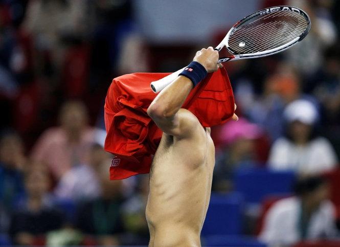 Agut biến Djokovic thành cựu vô địch Thượng Hải Masters