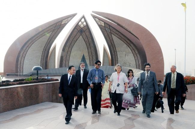 Hình ảnh công chúa Sirindhorn tại Pakistan