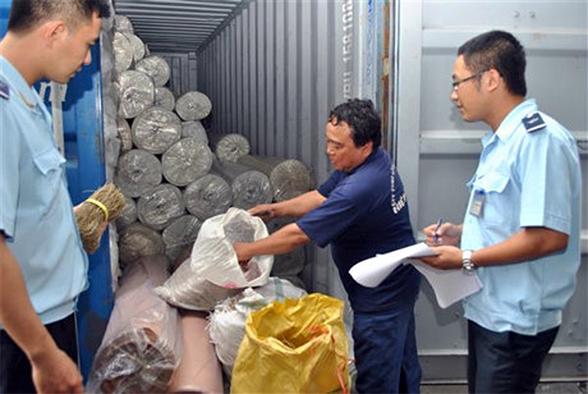 Những thủ tục kiểm tra chuyên ngành đã và đang làm doanh nghiệp xuất nhập khẩu khốn khổ đủ đường (ảnh minh họa).