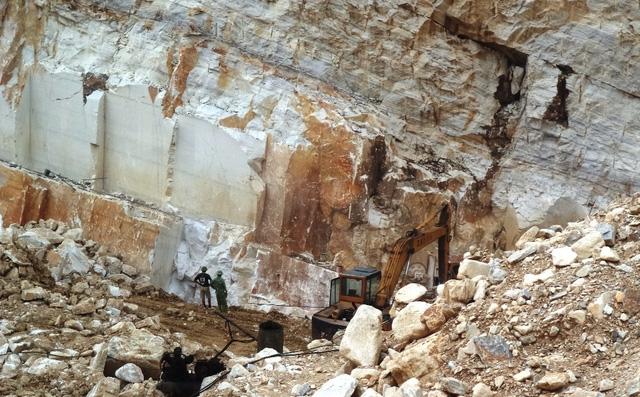 Khai thác mỏ đá tại huyện Quỳ Hợp đang là vấn đề lo ngại về tình trạng xảy ra mất an toàn tai nạn lao động như thế này.
