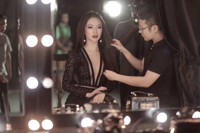Hoa hậu Mỹ Linh chen chúc cùng Phạm Hương, Lan Khuê trên poster show diễn Chung Thanh Phong - Ảnh 10.