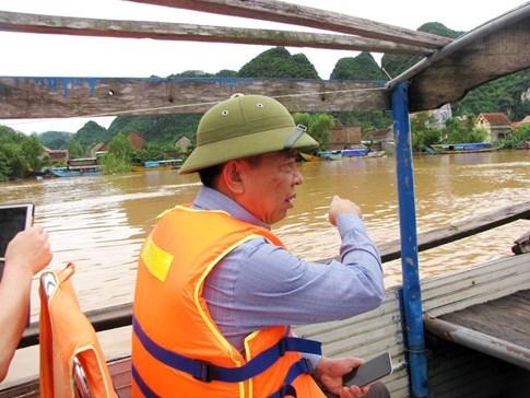 Quốc lộ 7 ở Nghệ An ngập sâu, giao thông tê liệt  - ảnh 7