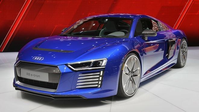 Audi khai tu sieu xe R8 e-tron hinh anh 1