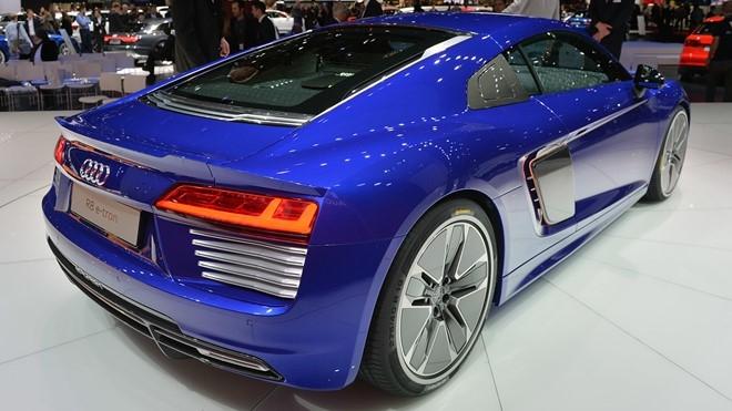 Audi khai tu sieu xe R8 e-tron hinh anh 2