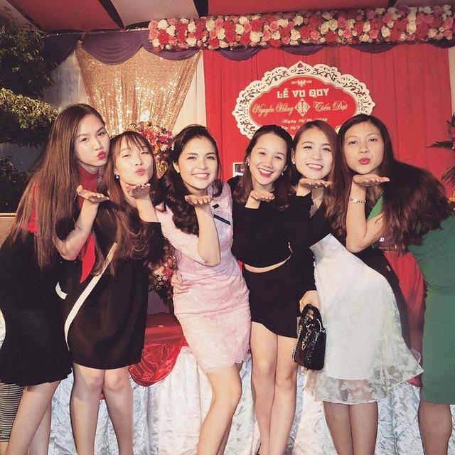 Dàn khách mời xinh đẹp, nhí nhảnh trong đám cưới của Nguyễn Hằng.