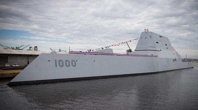 Điều khiển tàu chiến tàng hình Zumwalt như lái chiếc SUV cực mạnh - ảnh 2