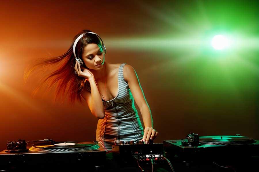 góc khuất nghề DJ, nữ DJ, chuyện nghề, đánh ghen nhầm, hoạn thư đánh ghen, cặp bồ