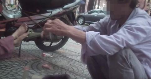 Hút 'cỏ', 'phê' thuốc ngay trung tâm Sài Gòn 1