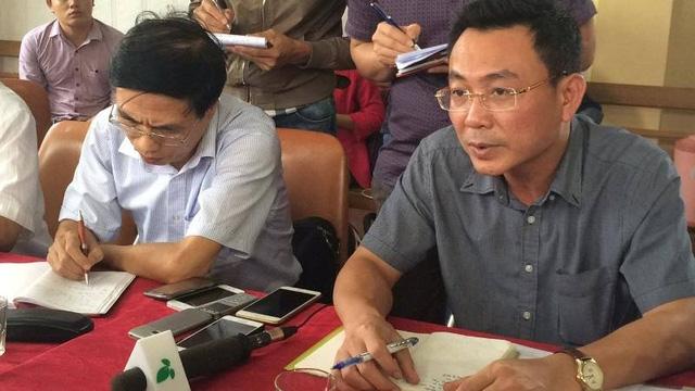 Ông Tô Xuân Bảo, Phó Cục trưởng Cục kỹ thuật an toàn và Môi trường Công nghiệp , Bộ Công Thương yêu cầu, phía nhà máy cung cấp tài liệu về phương án phòng chống lụt bão đảm bảo an toàn hồ đập…