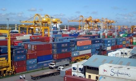 Hàng hóa xuất khẩu tập kết tại cảng Hải Phòng. Ảnh: Hồng Vĩnh.