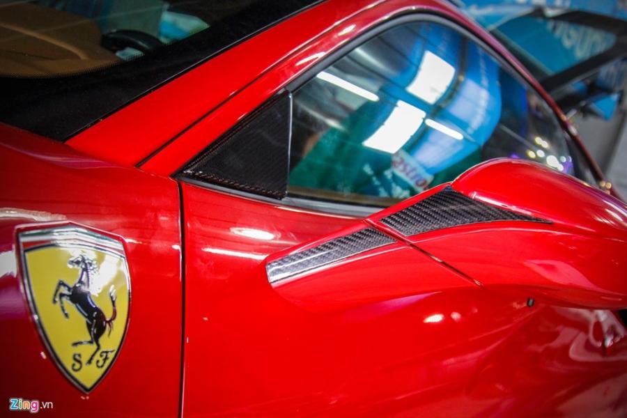 Sieu xe Ferrari 488 GTB len goi do hang hieu o Da Nang hinh anh 4