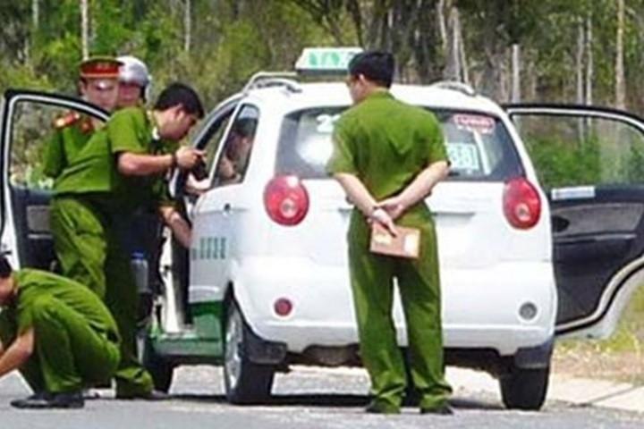 Kết quả hình ảnh cho Dụ tài xế taxi vào nghĩa trang giữa Sài Gòn để cướp tài sản