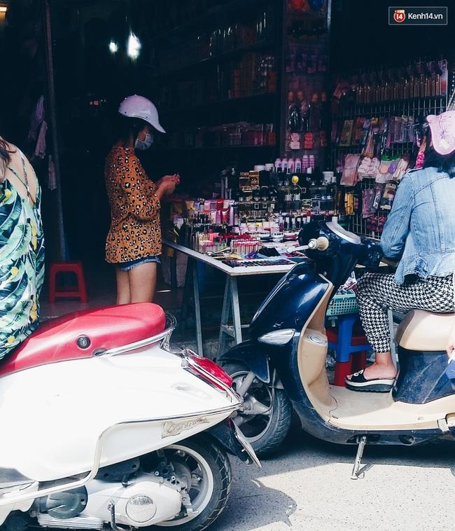 Giật mình: Son cao cấp giá bạc triệu hóa hàng bình dân với giá vài chục nghìn ở khắp Hà Nội - Ảnh 15.