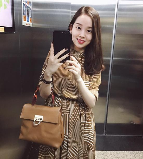 ly-kute-lien-tuc-khoe-anh-selfie-1