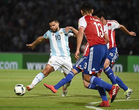 Trai y Pep Guardiola, Aguero co the nhan ket cuc nhu Sanchez hinh anh
