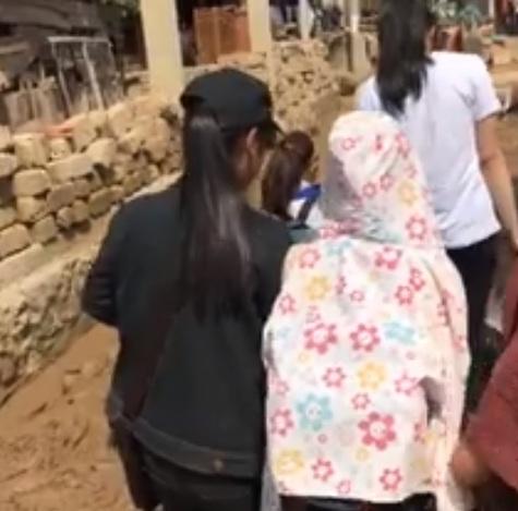 Không chỉ Phan Anh, Hà Hồ mà hàng loạt sao Việt cũng lên đường cứu trợ bà con miền Trung - Ảnh 9.