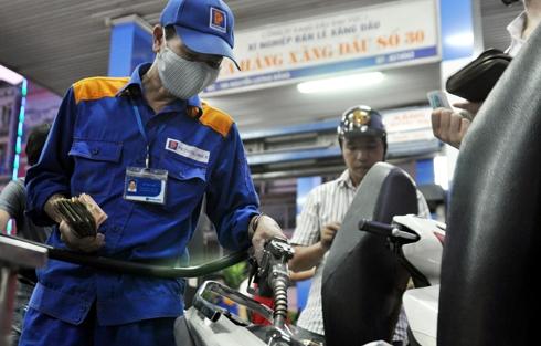 ngay-mai-2010-gia-xang-se-tang-manh-giadinhvietnam.com 1