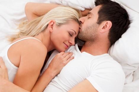 Thích yêu vợ cũng là một trong những hành động chứng tỏ chàng rất yêu bạn. Ảnh minh họa
