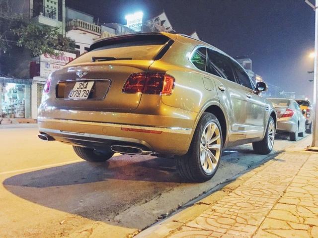 Mẫu SUV siêu sang của đại gia Ninh Bình sở hữu biển kiểm soát cặp thần tài lớn đẹp mắt.