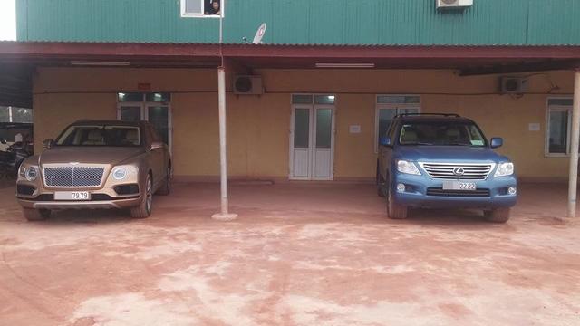 Bentley Bentayga chính hãng đầu tiên tại Việt Nam đọ dáng cùng SUV hạng sang Lexus LX570 với biển kiểm soát tứ quý 2.