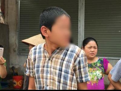 Bắc Giang: Bé trai 13 tuổi leo lên xe khách 29 chỗ đang nổ máy gây tai nạn liên hoàn