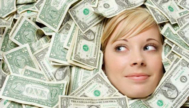 Hãy lập kế hoạch rõ ràng trước khi sử dụng số tiền trên trời rơi xuống. Ảnh minh họa