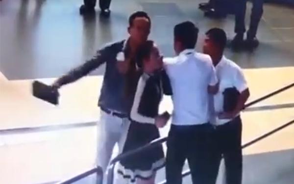 Cán bộ Sở GTVT Hà Nội lên tiếng vụ đánh nữ nhân viên sân bay: Tôi chỉ là người ra sức ngăn cản sự việc - Ảnh 2.