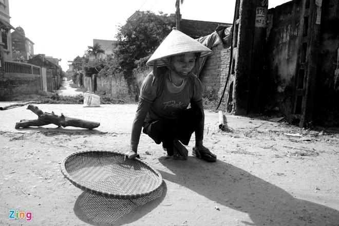 Cuoc doi nhung nguoi phu nu khon kho o Ha Noi, Sai Gon hinh anh 12
