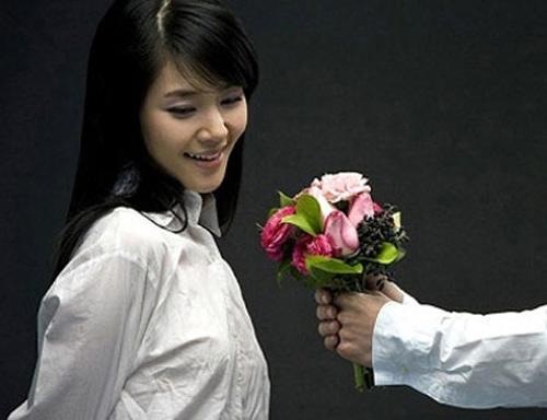 day moi chinh la mon qua 'khong co doi thu' chong tang vo ngay 20-10 - 1