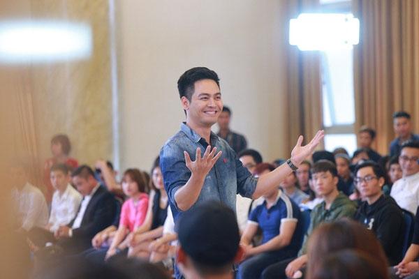 Tiếng nói của MC Phan Anh đã thực sự có sức nặng bởi anh có quan điểm sống cùng niềm tin trong sáng và lạc quan.