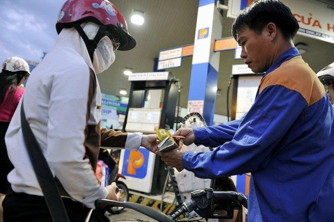 xăng dầu, tăng giá xăng, giá xăng, giảm giá xăng, giá xăng hôm nay, giá xăng Việt Nam, điều chỉnh giá xăng, thị trường xăng dầu Việt Nam
