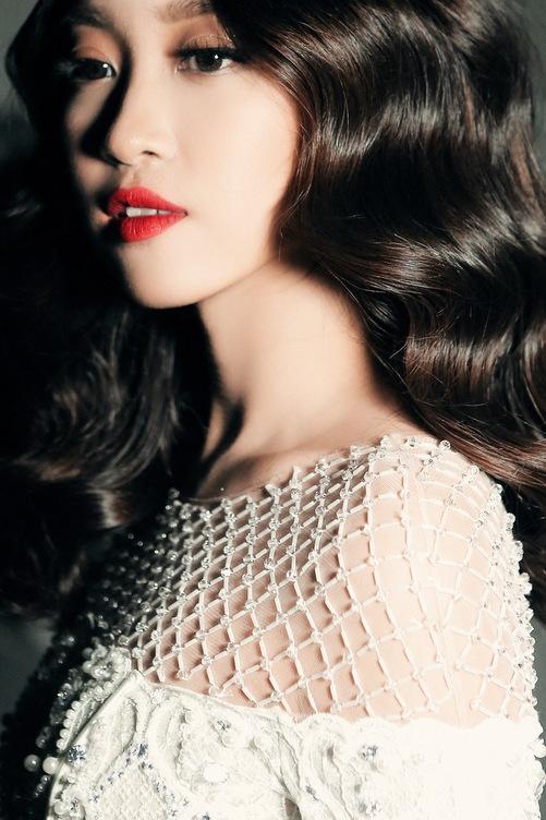 Hoa hậu Mỹ Linh hóa công chúa trên sàn thời trang