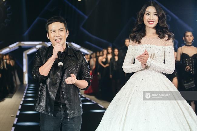 Hoa hậu Mỹ Linh làm vedette, trình diễn ấn tượng trong show của NTK Chung Thanh Phong - Ảnh 10.