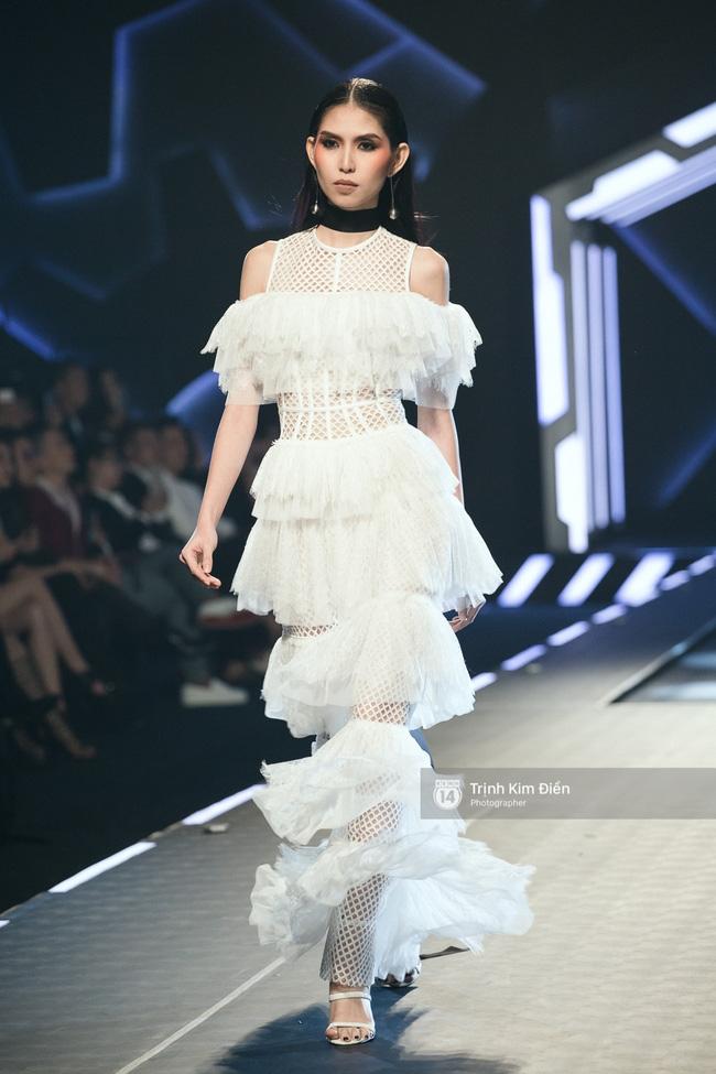 Mai Ngô và Lilly Nguyễn nổi nhất show Chung Thanh Phong vì... chân quá to và ngắn - Ảnh 12.