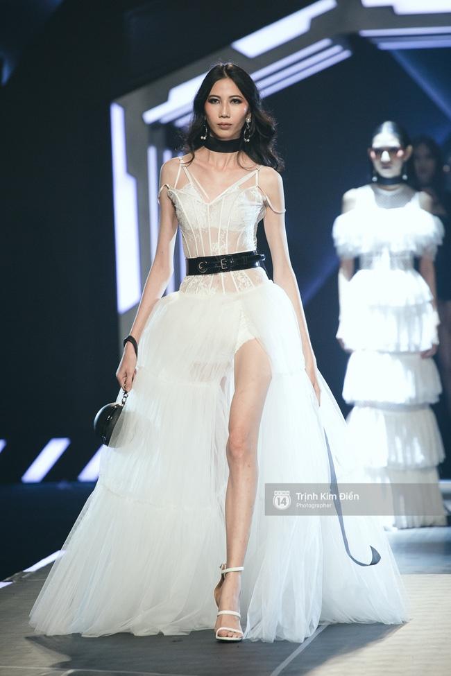Mai Ngô và Lilly Nguyễn nổi nhất show Chung Thanh Phong vì... chân quá to và ngắn - Ảnh 19.