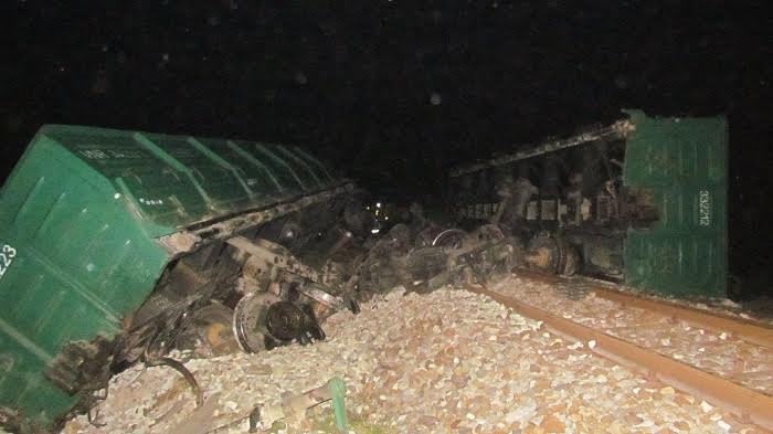 Tàu hỏa lật, đường sắt Bắc Nam