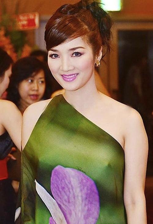 Thanh Hằng, Hồng Quế, Hà Anh, Mai Phương Thúy