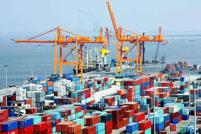 Việt Nam xuất siêu gần 4 tỷ USD, nhưng chủ yếu là thuộc về khu vực DN nước ngoài nhập khẩu và xuất khẩu