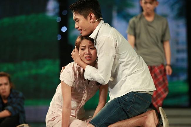 Hương Giang giật mình ngã ngửa khi Quang Đăng trổ tài ảo thuật - Ảnh 8.