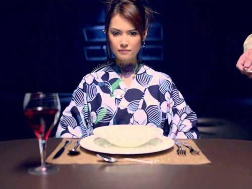 Maria Ozawa khoe lưng trần gợi cảm trong phim chính thống đầu tiên - 4