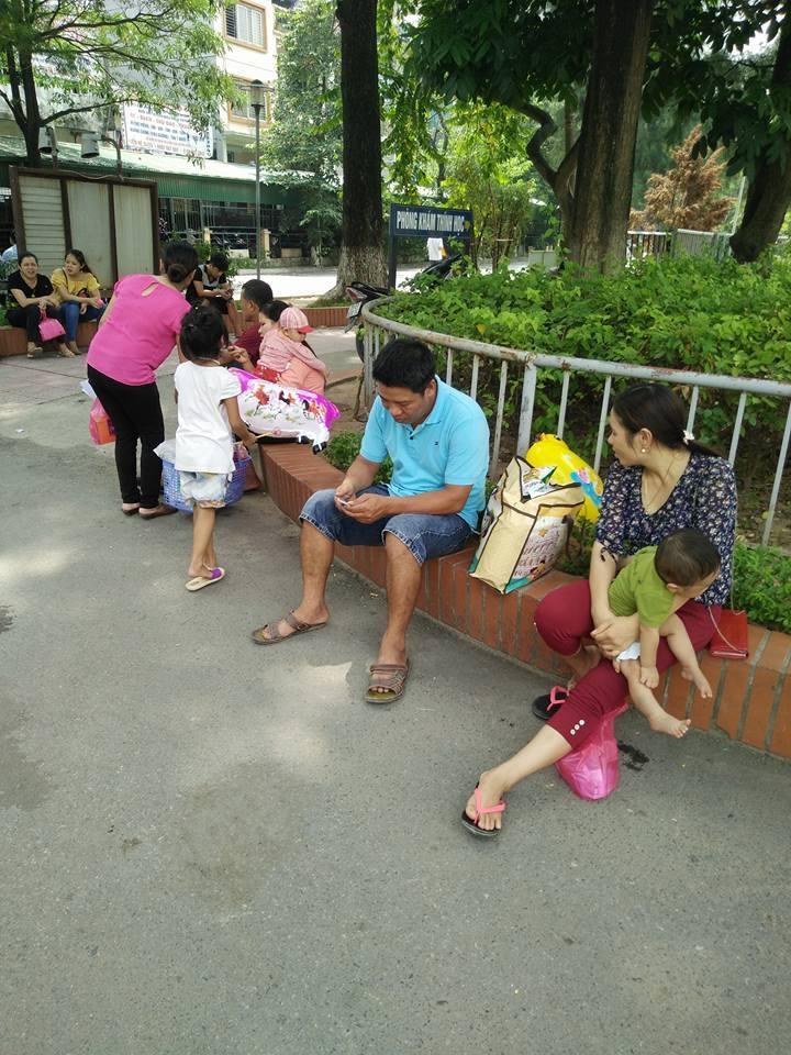 bệnh viện Nhi, BS Ngô Anh Vinh, lỗi bất cẩn, cha mẹ, nghiện ma túy đá, bệnh nhân tâm thần